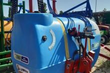 1000 литрова навесна щангова пръскачка UNTAR с 16 метра щанги